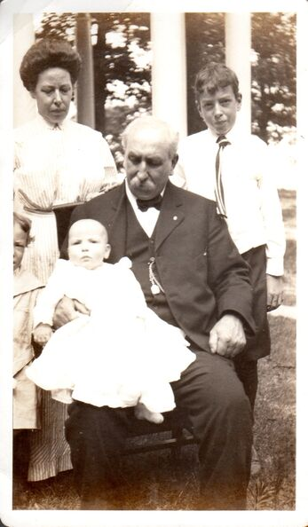 John Wm Hagemeyer Sr and family abt 1912.jpg