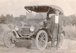 D H  Brantley and a car 1915